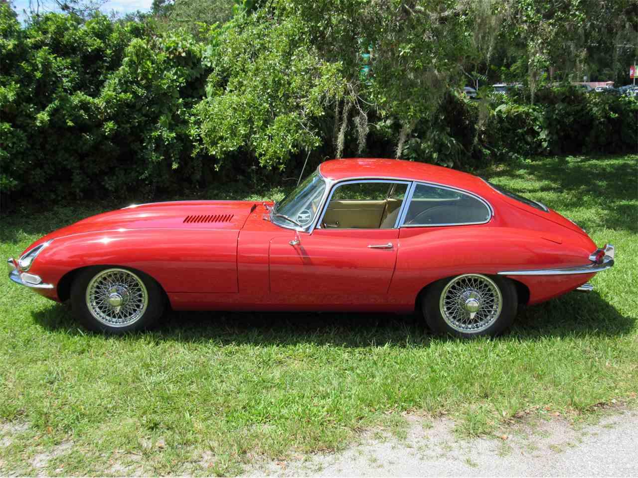 Jaguar E-Type 1967 for sale.
