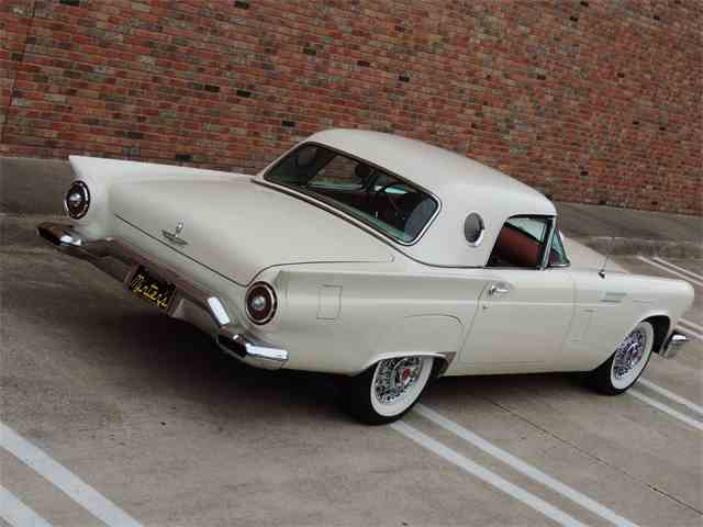 1957 Ford Thunderbird   1015388