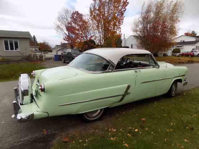 1953 Ford Crestline Victoria | 1010617