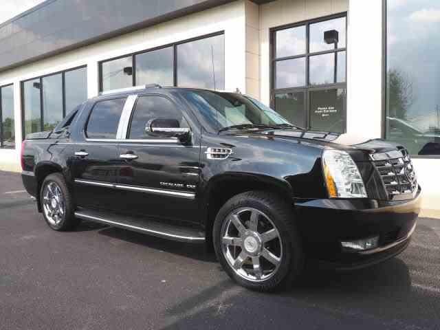 2011 Cadillac Escalade | 1016358