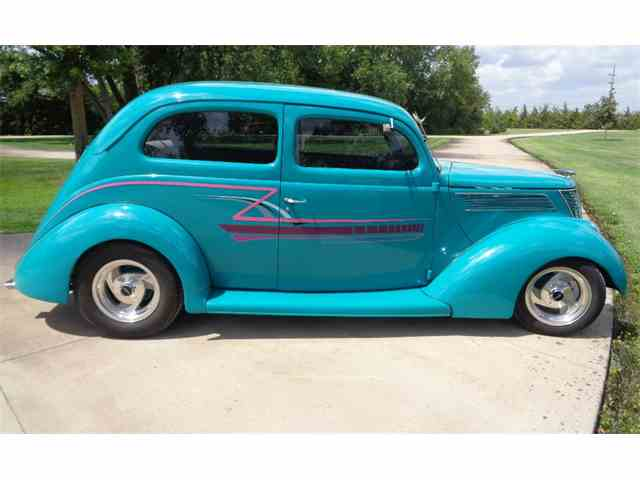 1937 Ford 2-Dr | 1016519