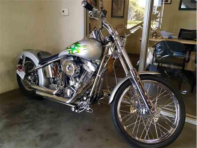 2001 Custom Motorcycle | 1016537