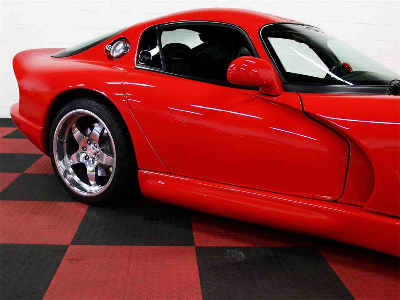 Large Picture of 1998 Dodge Viper located in Algonquin Illinois - LSFT