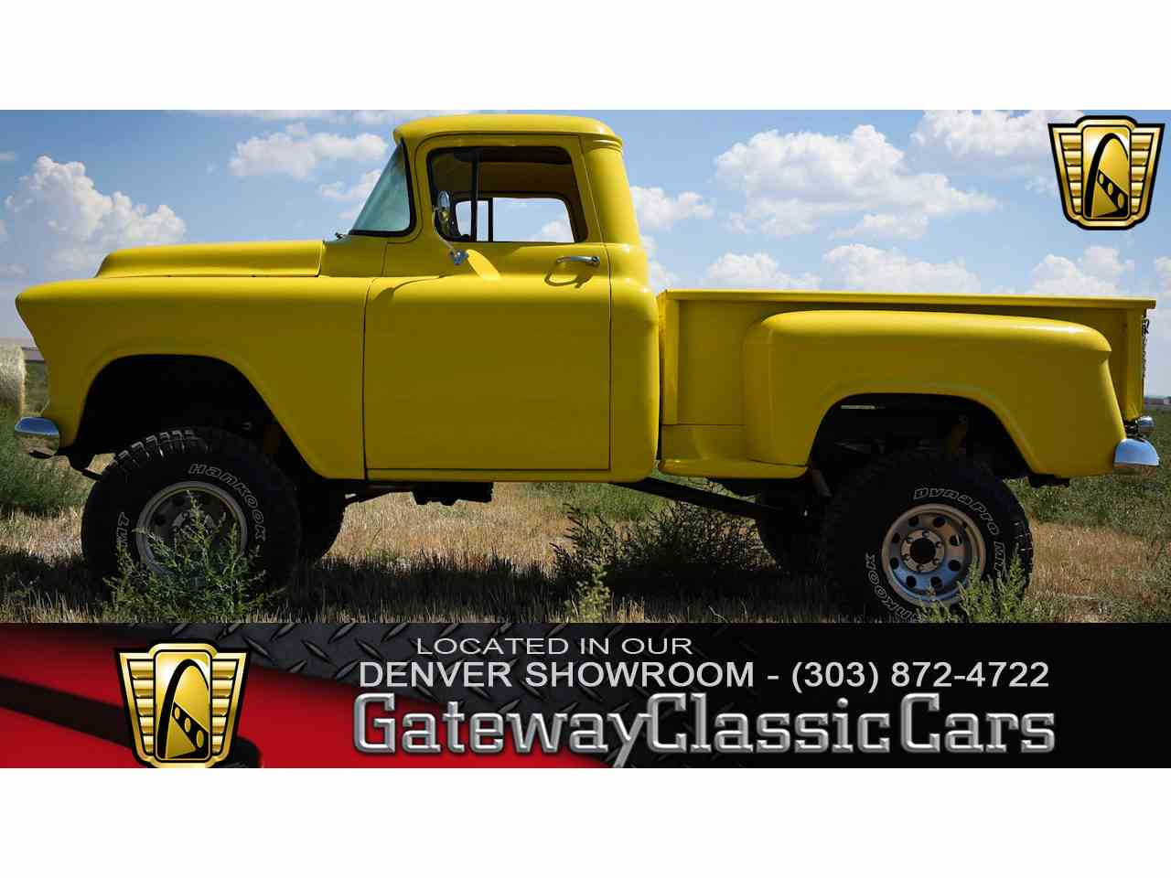 Large Picture of Classic '55 Chevrolet Shortbox Stepside located in Illinois Offered by Gateway Classic Cars - Denver - LSJ6
