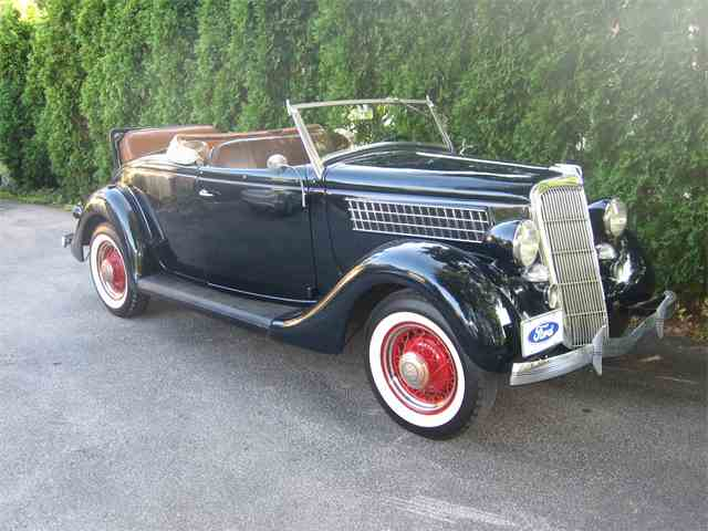 1935 Ford Cabriolet | 1016861