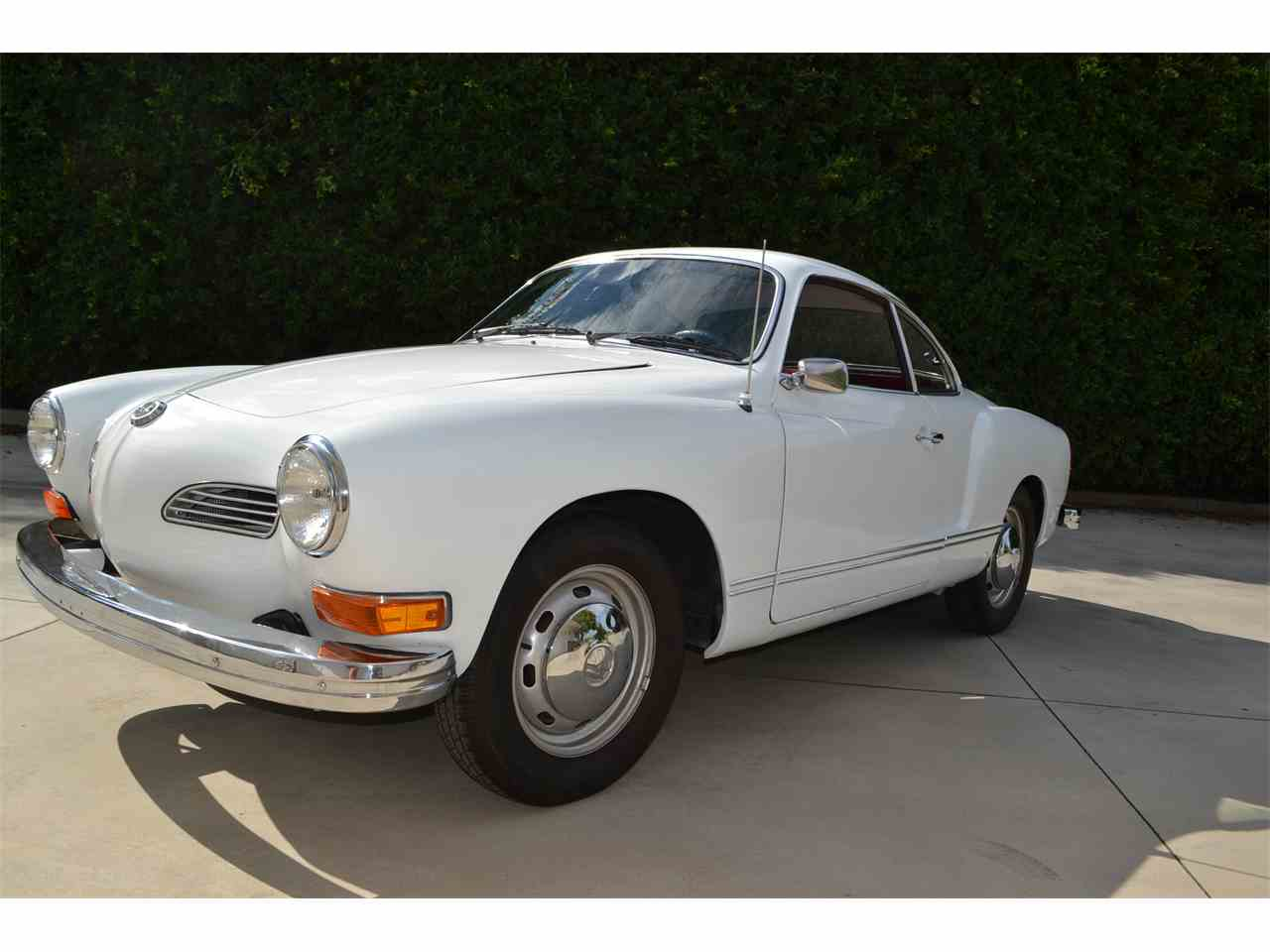 Large Picture of 1974 Karmann Ghia - LSR1