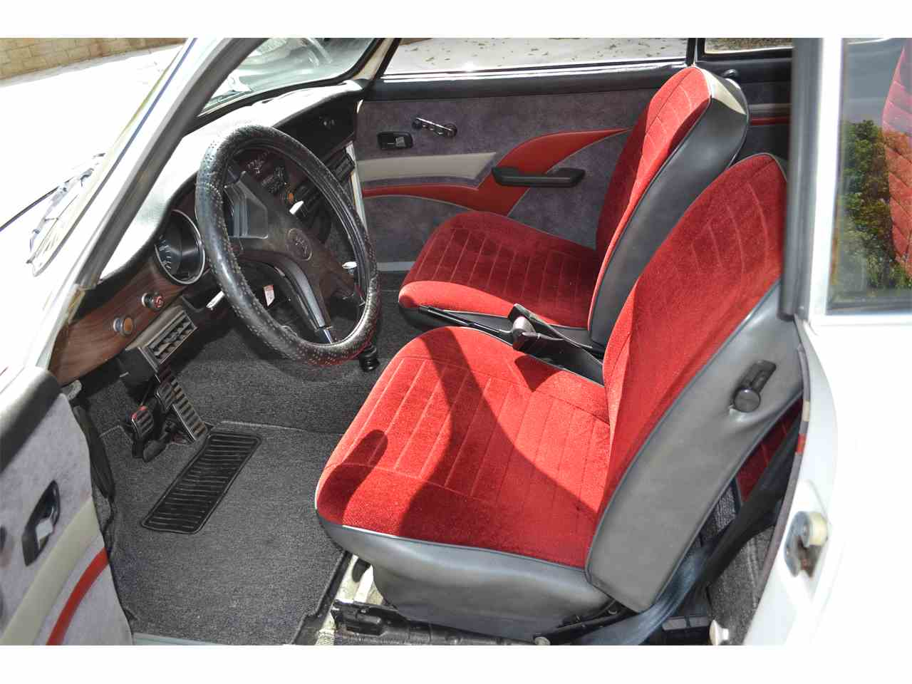 Large Picture of '74 Volkswagen Karmann Ghia located in Riverside California - LSR1