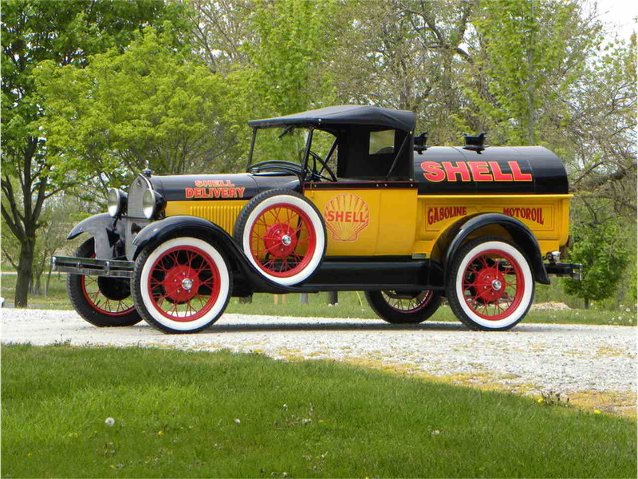 Large Picture of '29 Ford Model A Roadster Pickup Tribute Shell Oil Tanker Offered by Volo Auto Museum - LT8A