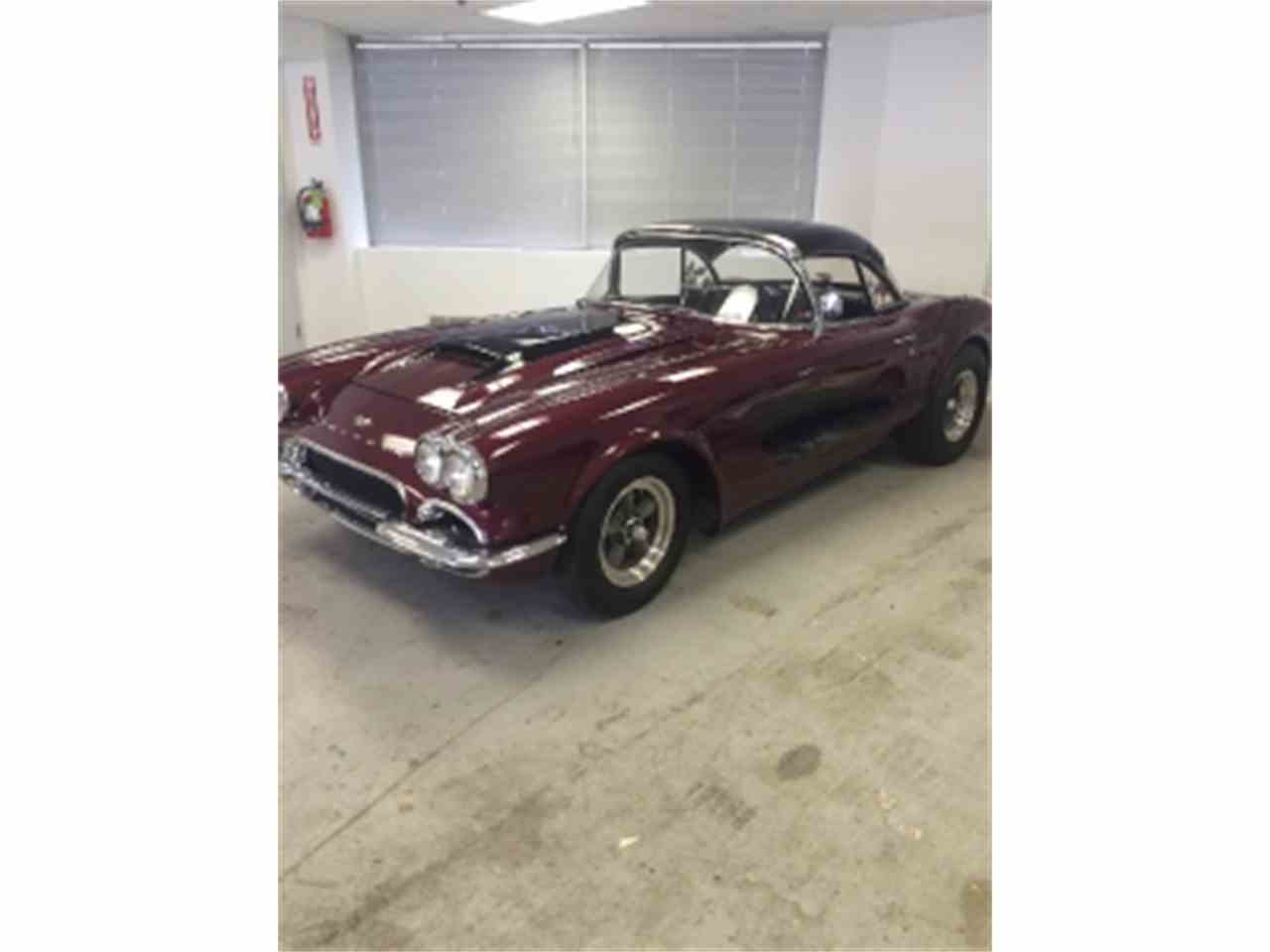 Large Picture of '61 Corvette - LTH5