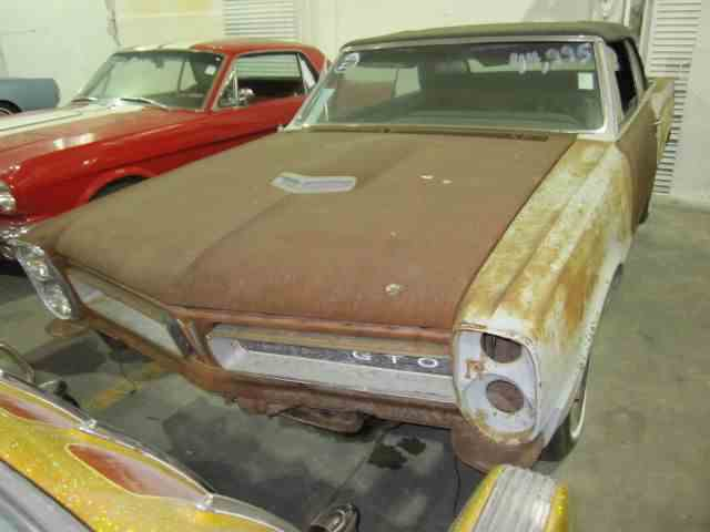 Picture of Classic 1965 Pontiac GTO located in Effingham Illinois Offered by Heartland Classics - LNY0