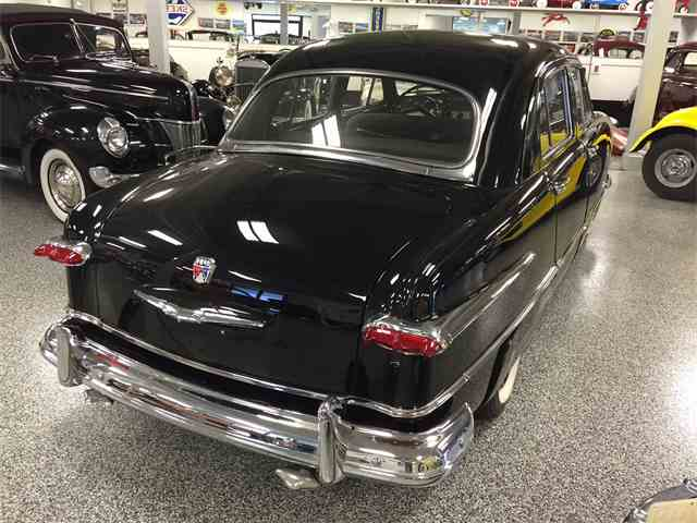 1951 Ford Deluxe | 1018115