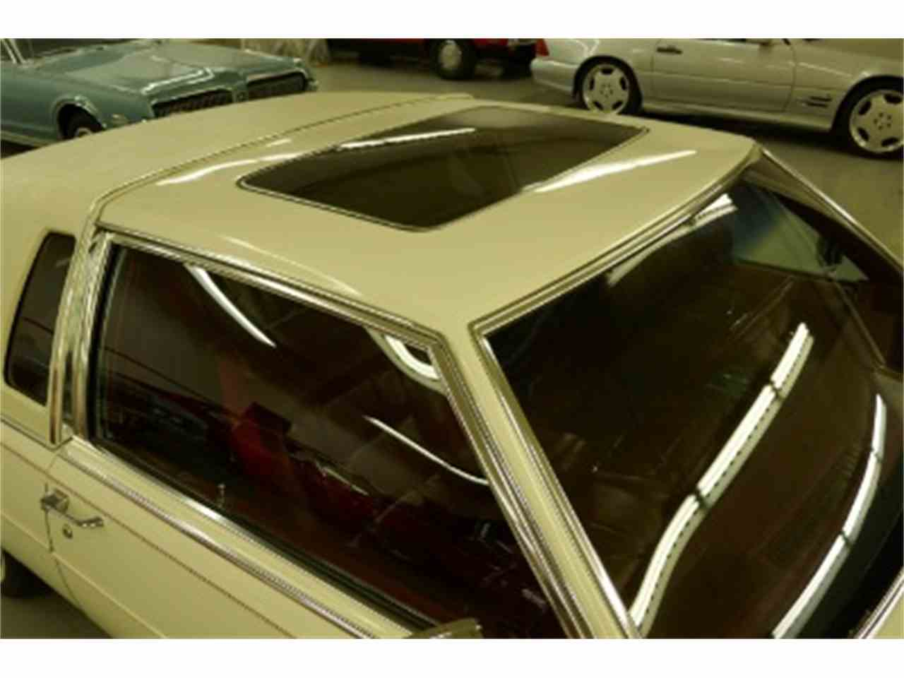 Large Picture of 1985 Cadillac Fleetwood - LTM2