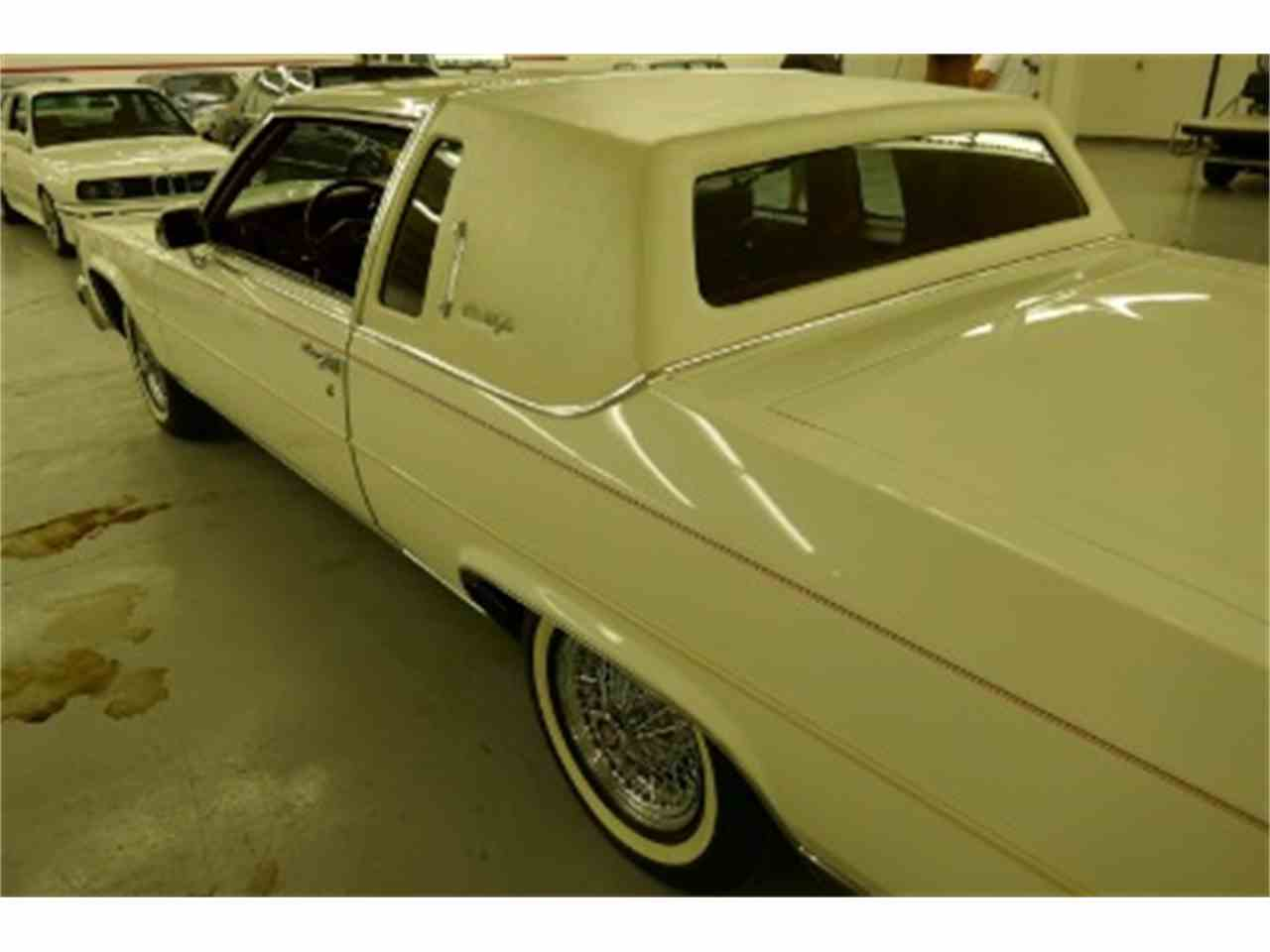 Large Picture of 1985 Cadillac Fleetwood located in Illinois - $34,900.00 - LTM2