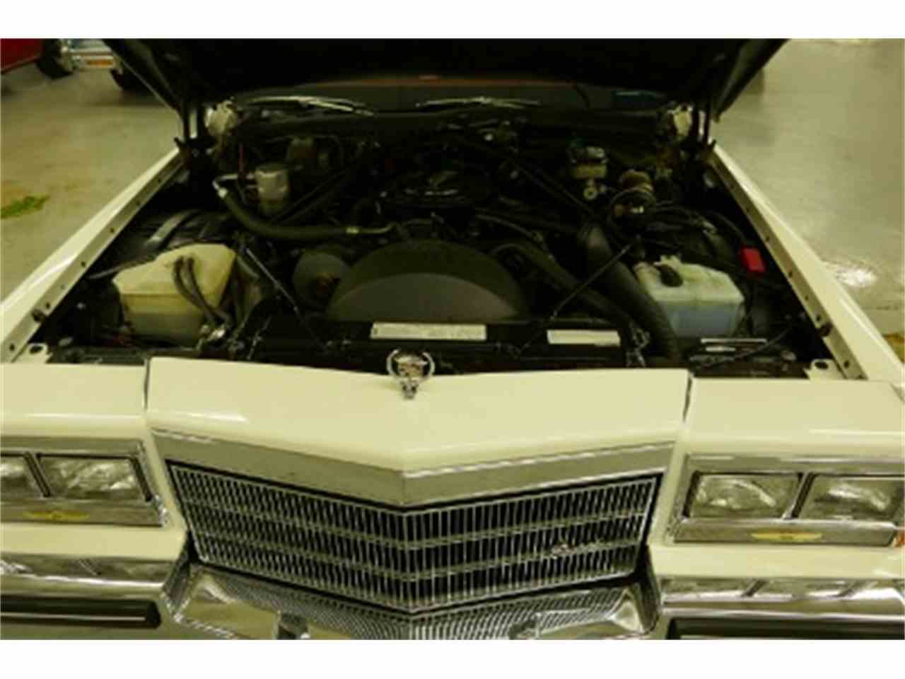 Large Picture of 1985 Cadillac Fleetwood located in Illinois - LTM2