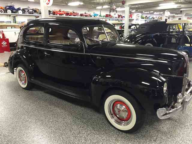 1940 Ford Deluxe | 1018196