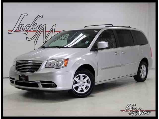 2012 Chrysler Town & Country | 1018244