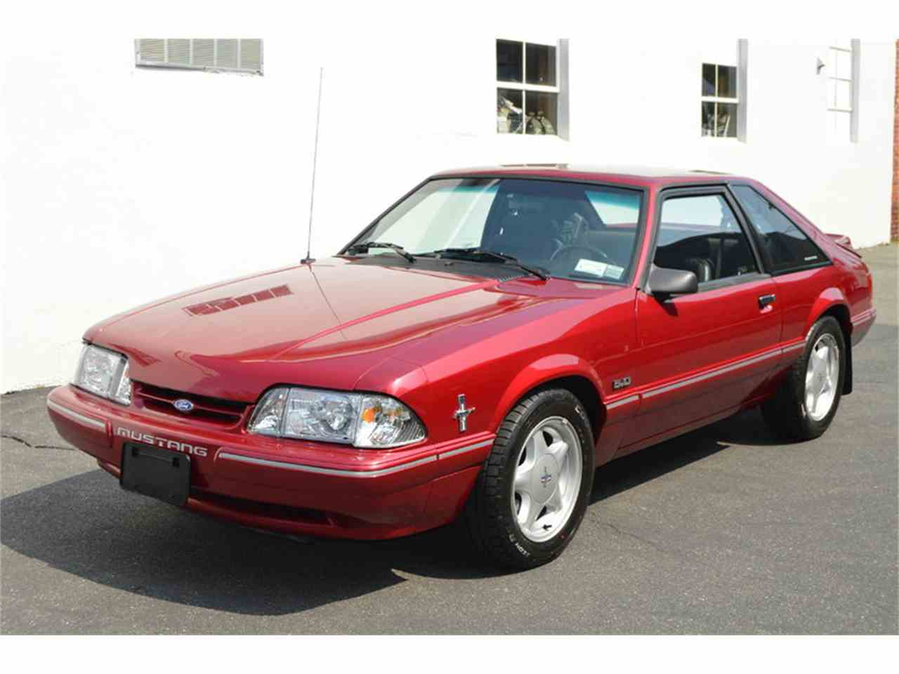 Large Picture of '93 Ford Mustang located in Springfield Massachusetts - $8,990.00 - LTW9