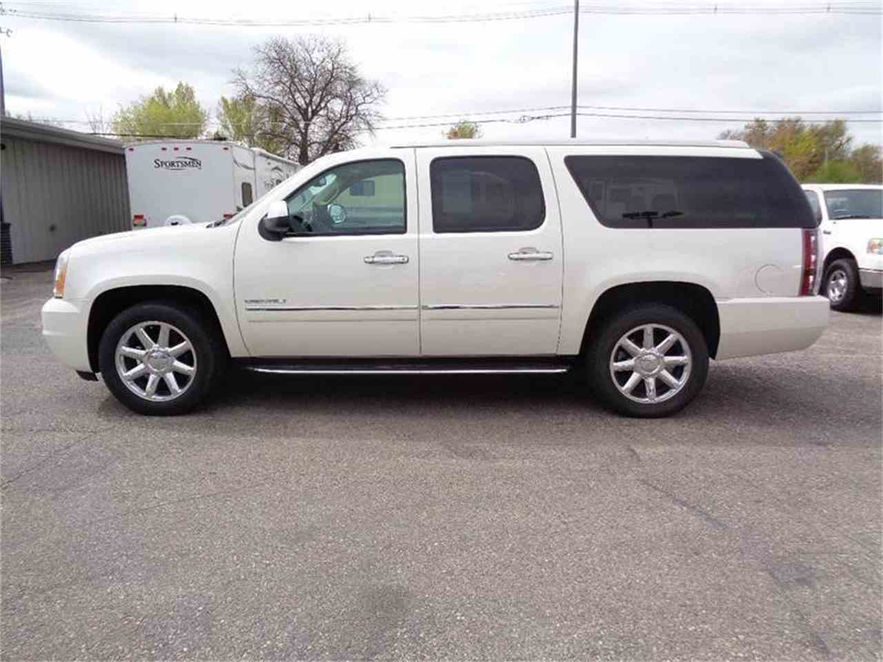 Large Picture of '14 Yukon - LU01
