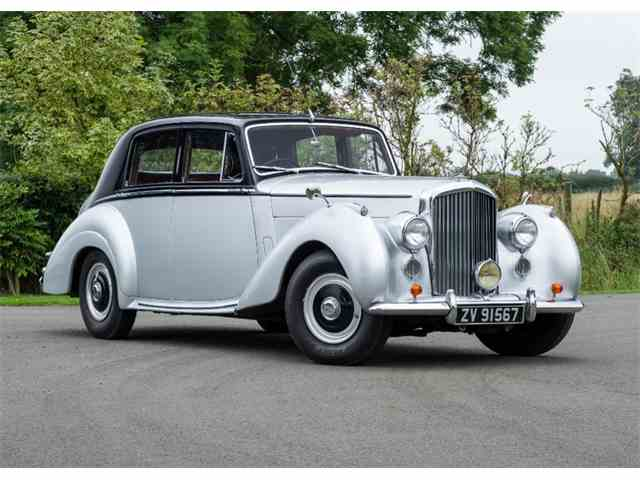 1954 Bentley R-Type Saloon (Standard steel)   1018734