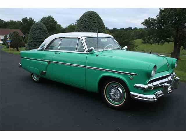 1954 Ford Crestline | 1018884