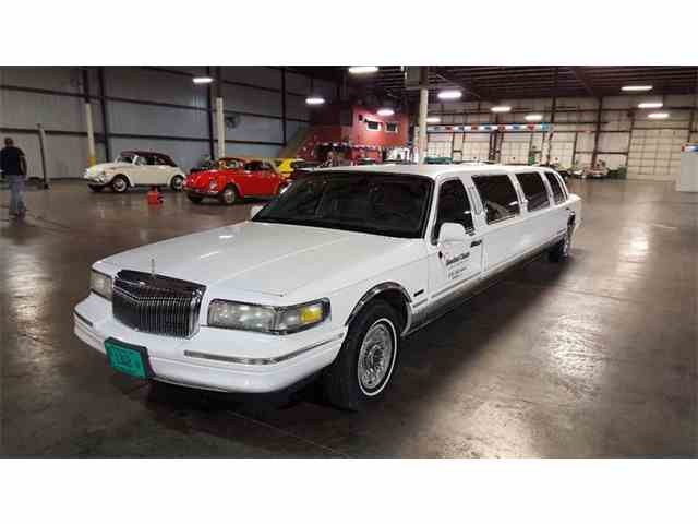 1997 Lincoln Town Car | 1010916