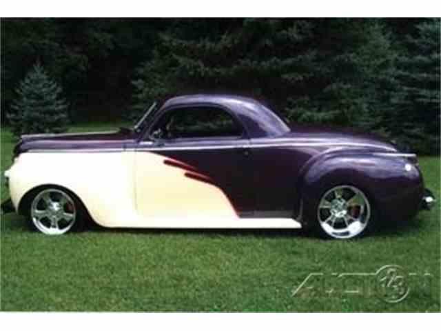 1941 Dodge 2-Door Sedan   1019166
