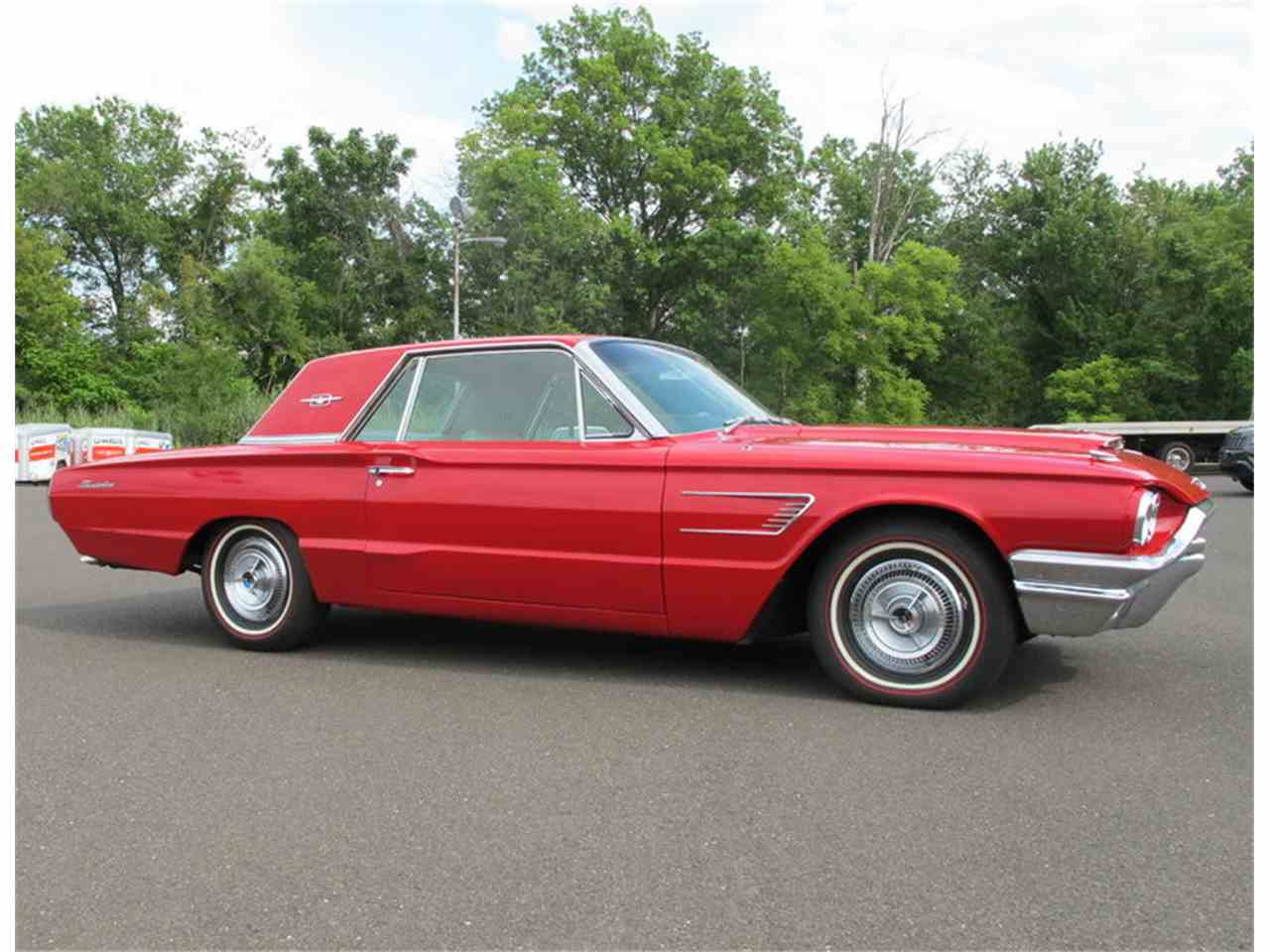 Large Picture of Classic '65 Ford Thunderbird - $10,700.00 - LULR