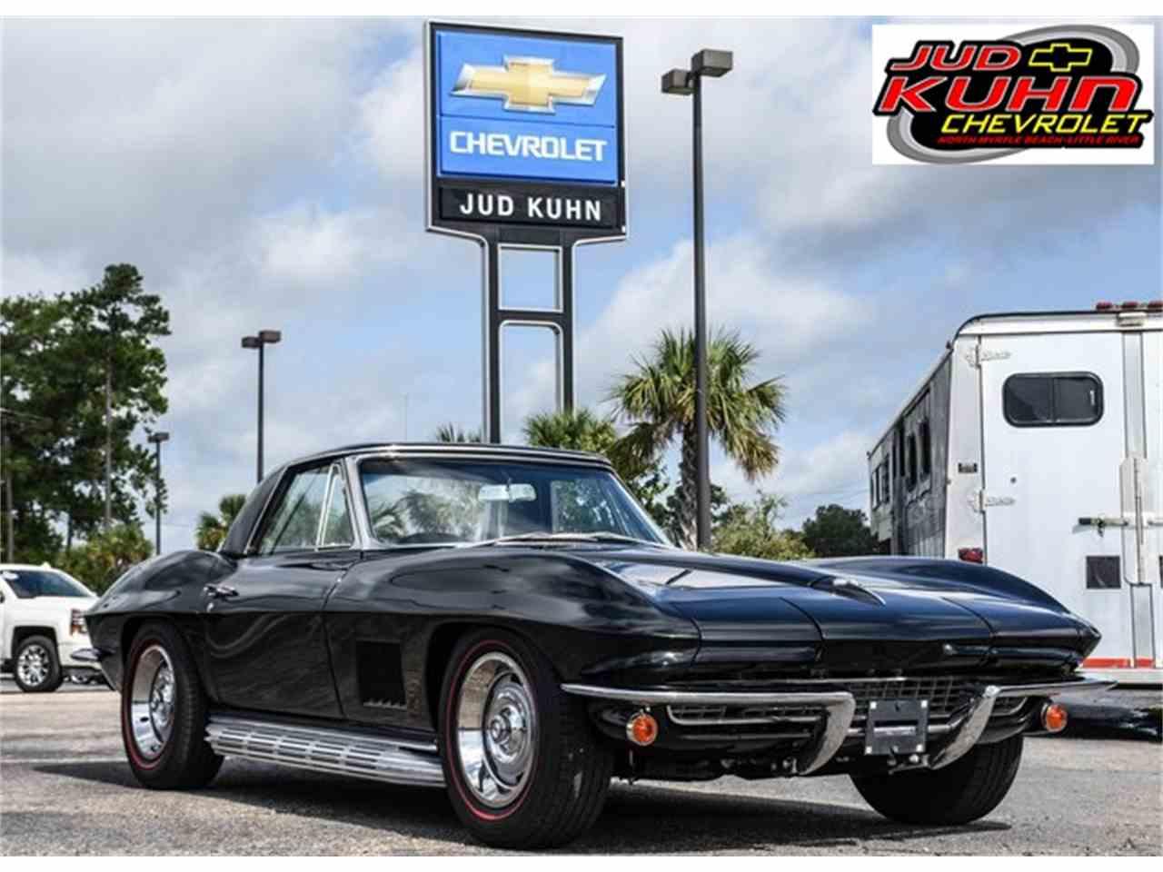 Large Picture of '67 Corvette - LUNM