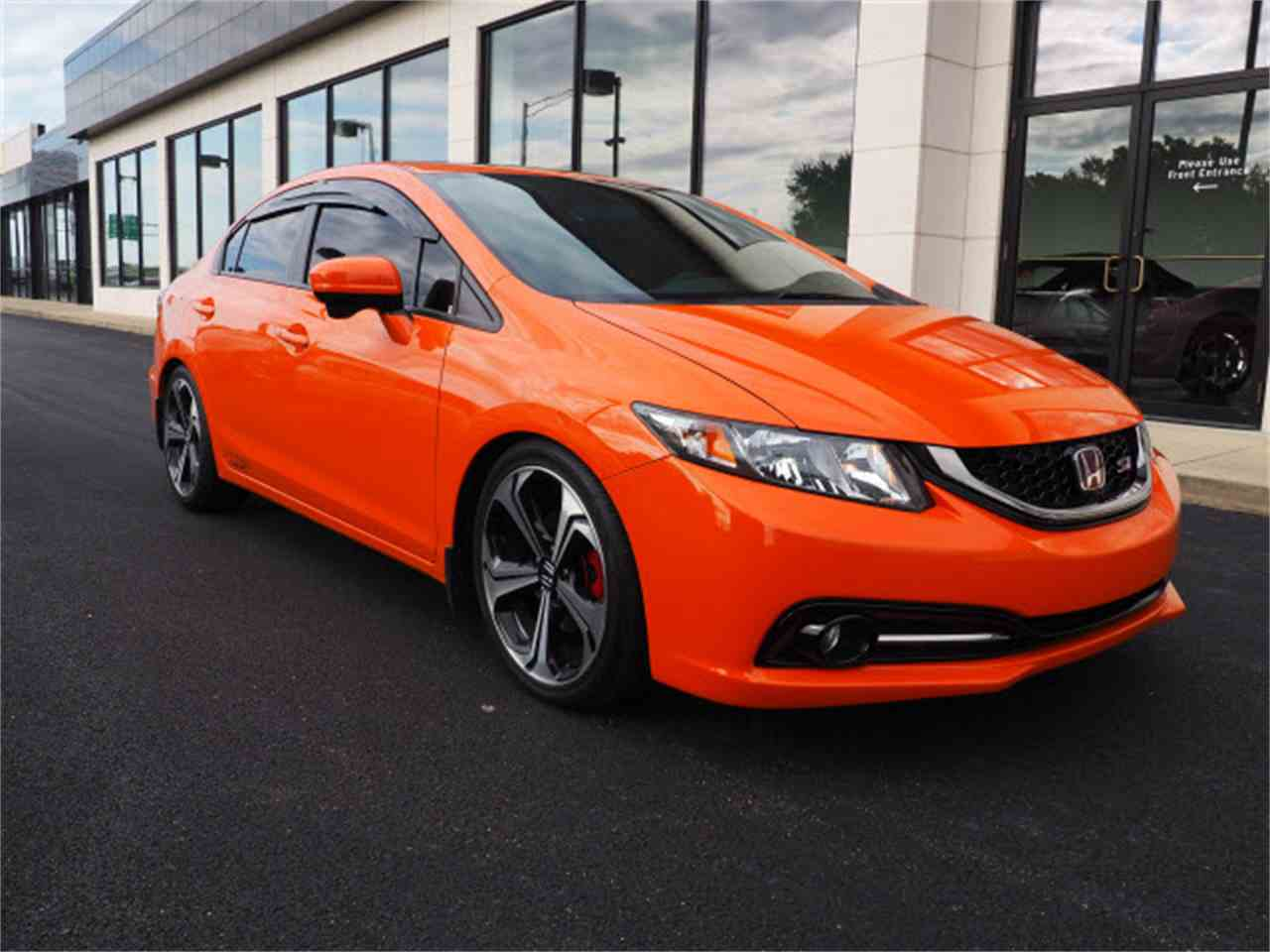 Large Picture of '15 Civic - $19,999.00 Offered by Nelson Automotive, Ltd. - LUQU