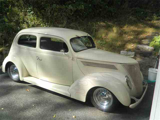 1937 Ford Slantback | 1019675