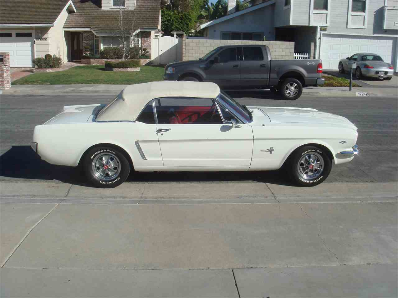 Large Picture of '65 Mustang - LUVO