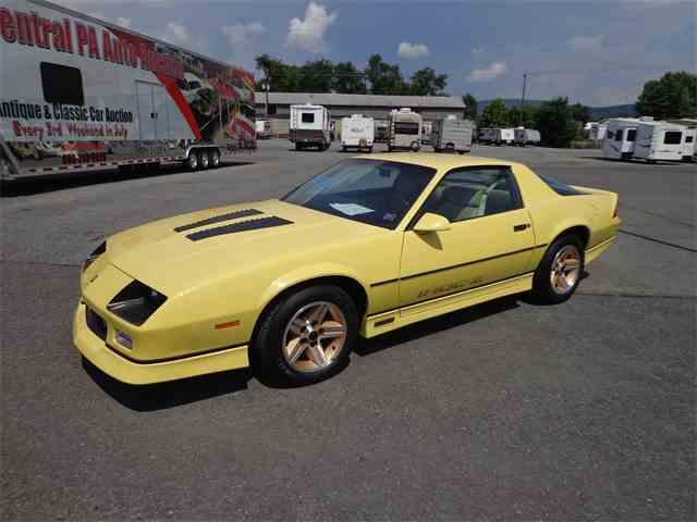 1985 Chevrolet Camaro IROC-Z | 1010981
