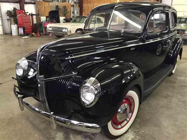 1940 Ford Sedan | 1021151
