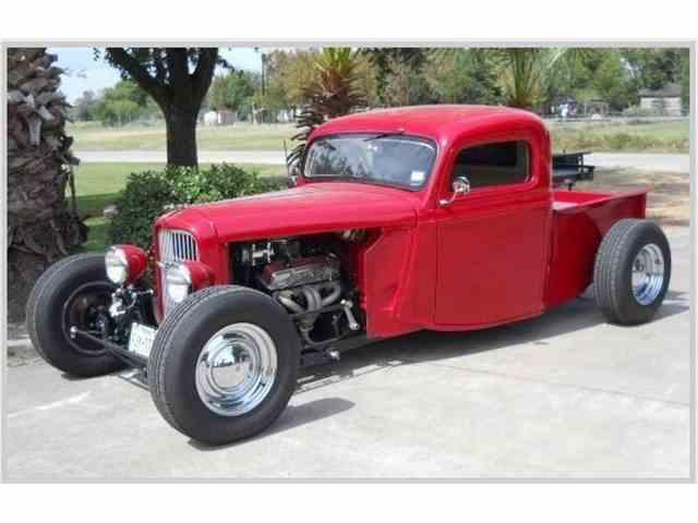 1935 Ford Custom | 1021262