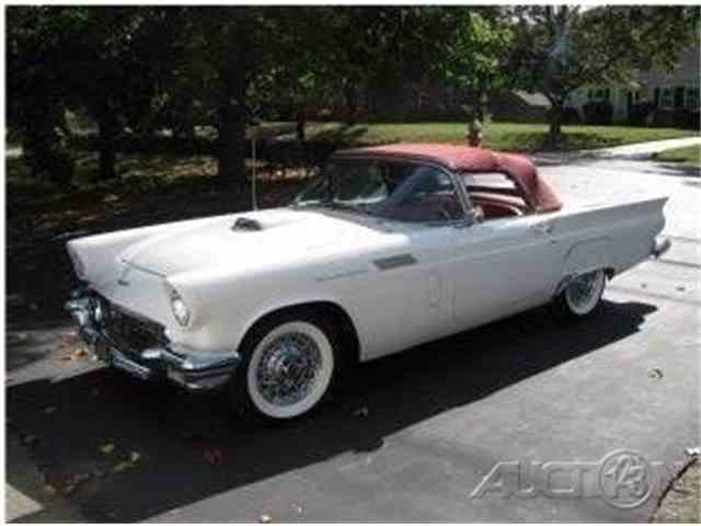 1957 Ford Thunderbird | 1021324