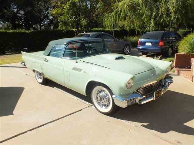 1957 Ford Thunderbird | 1021327