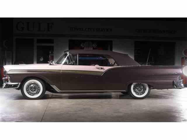 1957 Ford Fairlane 500 | 1020143