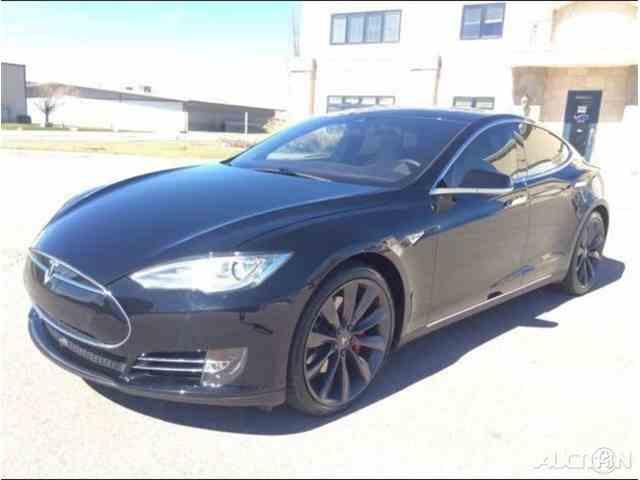 2015 Tesla Model S   1021533