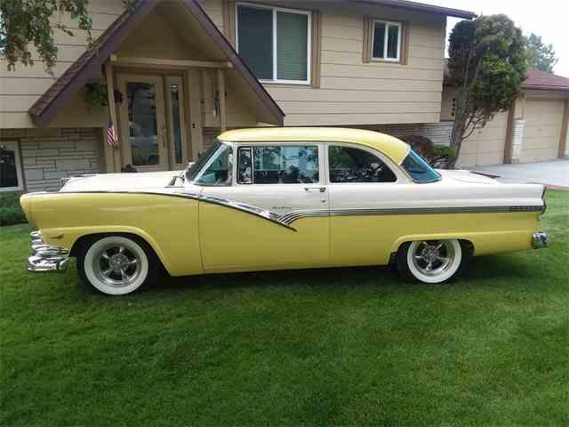 1956 Ford Fairlane   1021585