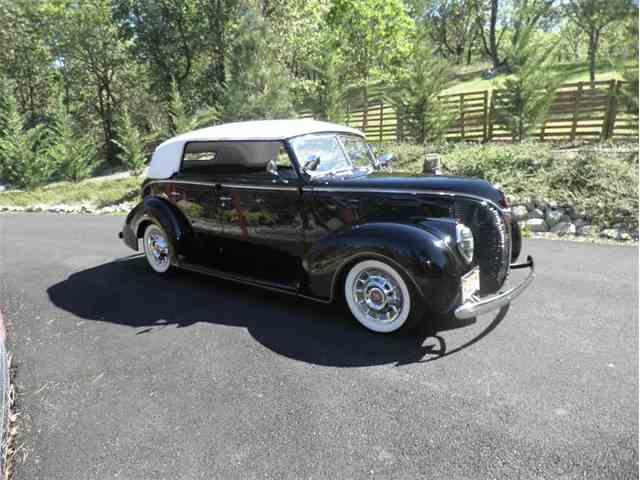 1938 Ford 81 A Deluxe Conv Sedan | 1021611