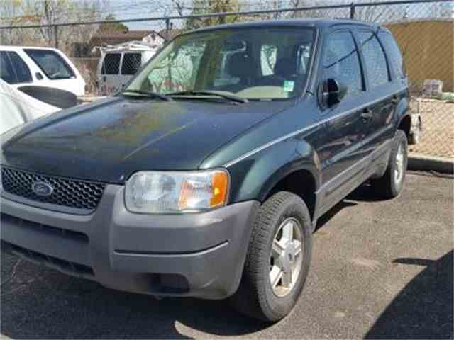 2004 Ford Escape | 1021643
