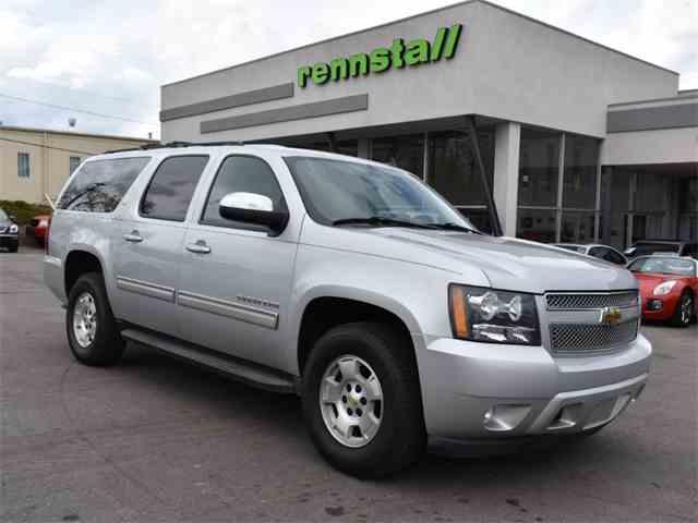 2010 Chevrolet Suburban | 1021728