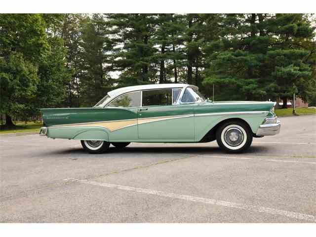 1958 Ford Fairlane 500 Club Victoria | 1021884