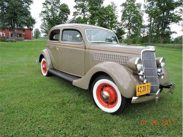 1935 Ford Model 48 | 1021985