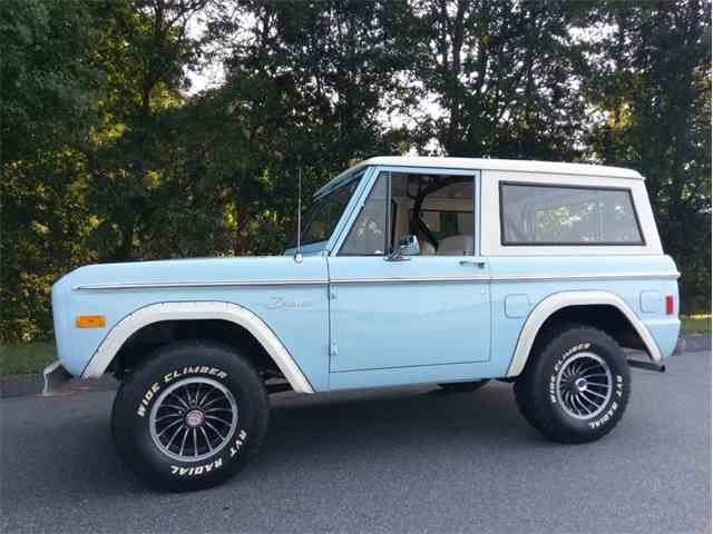 1977 Ford Bronco Wagon | 1022032