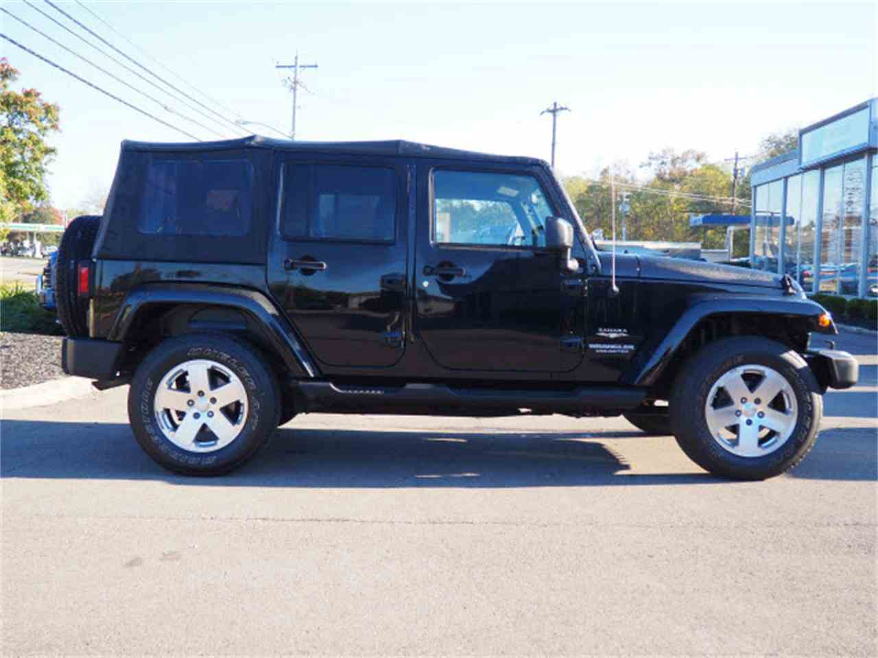 Large Picture of 2009 Jeep Wrangler located in Loveland Ohio - $17,000.00 Offered by Cincinnati Auto Wholesale - LWMR