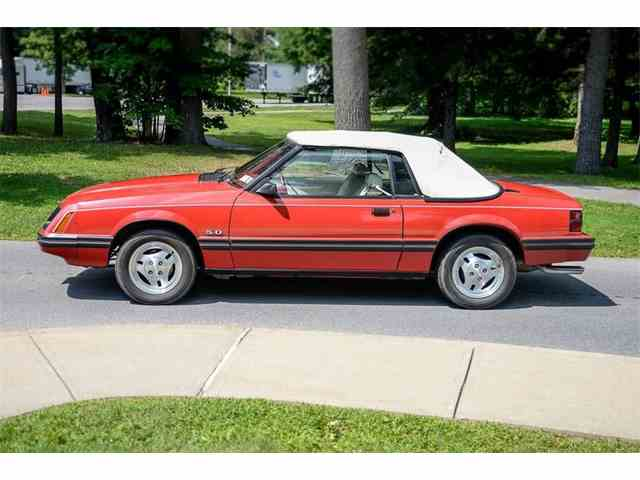1983 Ford Mustang   1022088