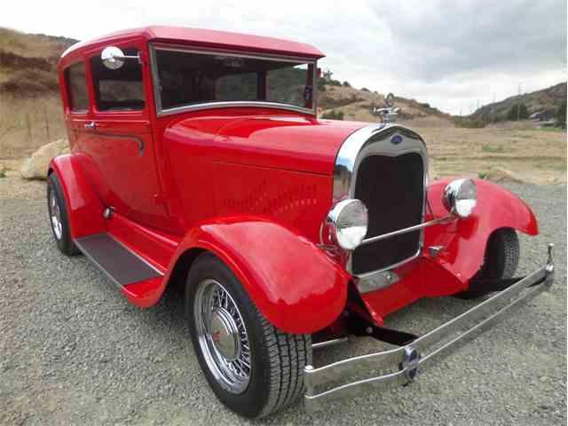 1928 Ford Tudor | 1022098