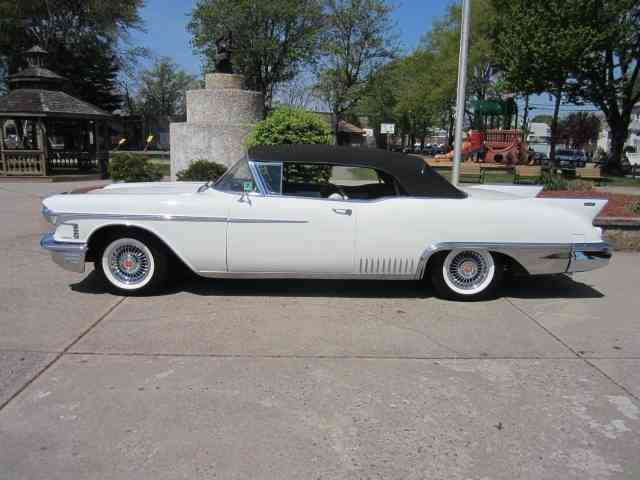 1958 Cadillac Eldorado Biarritz | 1022231