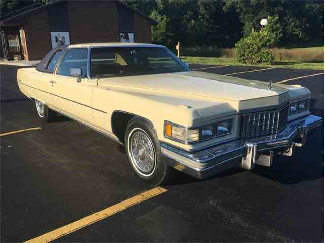 1976 Cadillac Coupe DeVille | 1022248